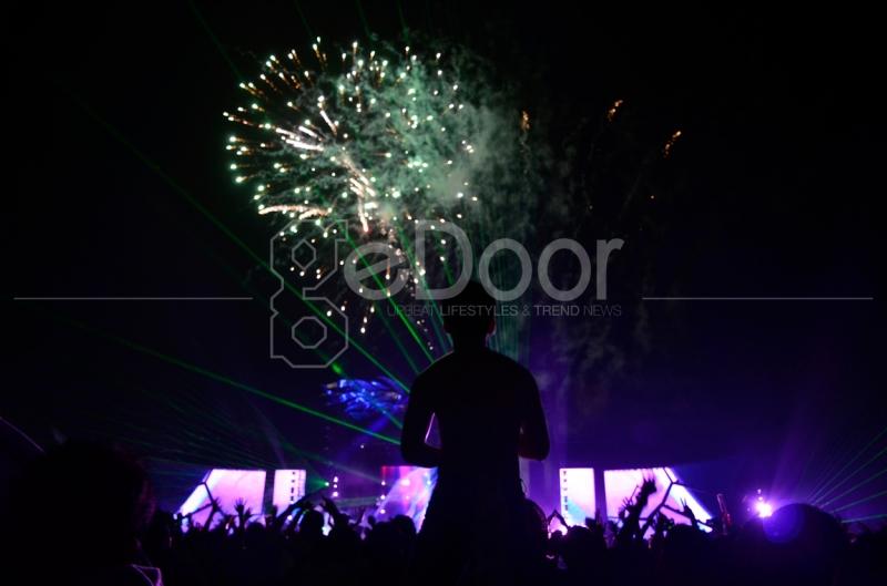 Kembang Api Pun Jadi Penghantar Meriahnya Konser DWP 2014