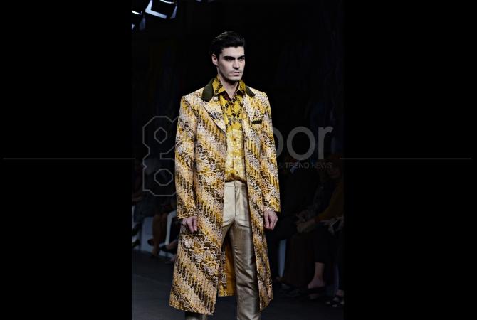 Fashion show batik pria 14