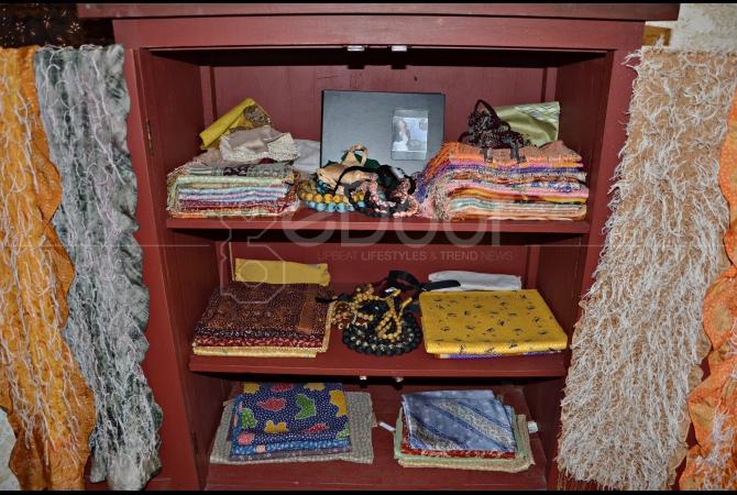 Koleksi kain batik Carmanita