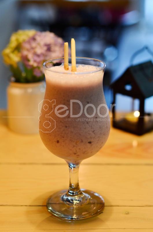 Selain Kopi, Anda Juga Bisa Memesan Minuman Lainnya Seperti Blueberry Taste