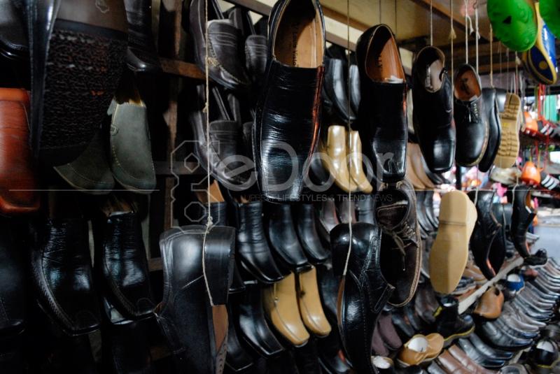 Cari Sepatu Kulit Di Pasar Poncol Senen