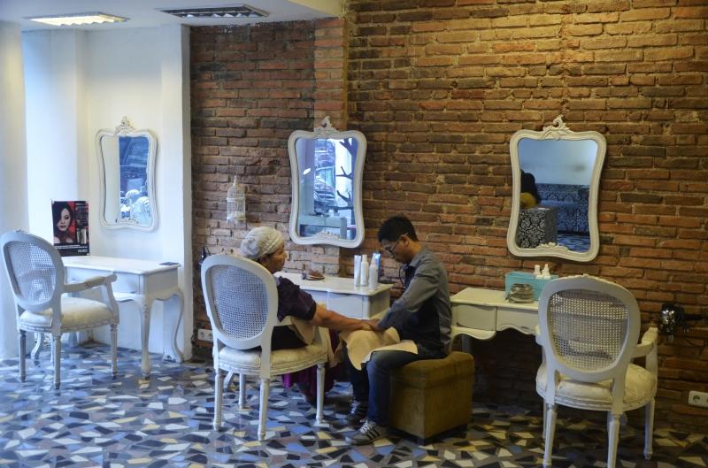 Selain Salon, Fasilitas Lain Yang Ditawarkan Seperti Sauna Dan Spa
