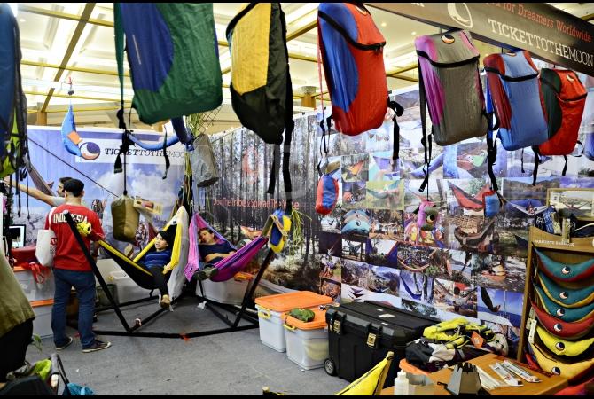 Salah satu booth yang ada di Deep and Extreme Indonesia menawarkan kemudahan untuk alat tidur saat di alam