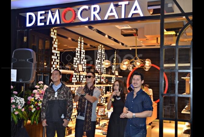 Brand ambasador Democrata Indonesia, Daniel Mananta, Mike Lewis dan Nino Fernandez