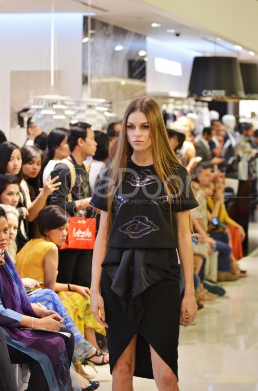 Desainer Muda Tanah Air Pamerkan Koleksi Terbarunya Di Fashion Lab