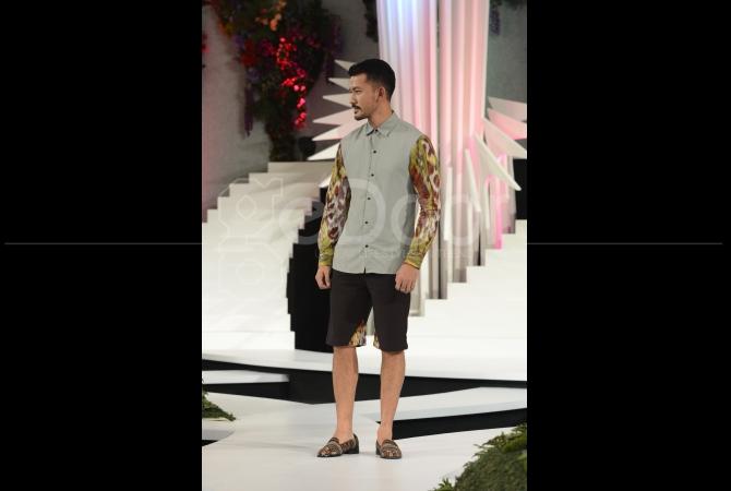 Aktor dan Pemain Film Rio Dewanto tampil di Fashion Nation 2015