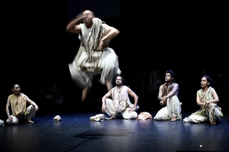 Pagelaran Teater Mahabharata 'Bab kedua'-nya Ini Berlangsung Kurang Lebih Dua Jam