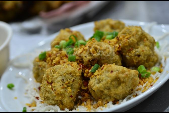 Hing Kee di Hong Kong sebagai pionir dalam sajian menu Claypot Rice dan Oysters Cake