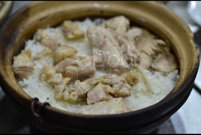 Macam-macam varian menu Rice in Pot dapat di pesan di Hing Kee