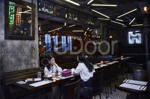 Restoran Yang Berada Di Tengah Ibukota Ini Membanderol Menu-Menu Dari Makanan Dan Minumannya Dengan Harga Yang Cukup Terjangkau
