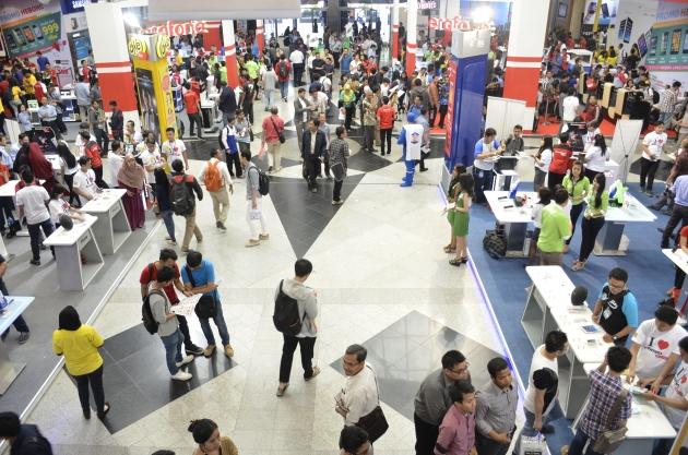 Pengunjung Memadati Hari Pertama ICS 2014