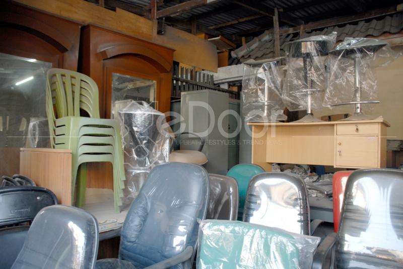 Jalan Saharjo Menjual Kursi Bekas Maupun Baru
