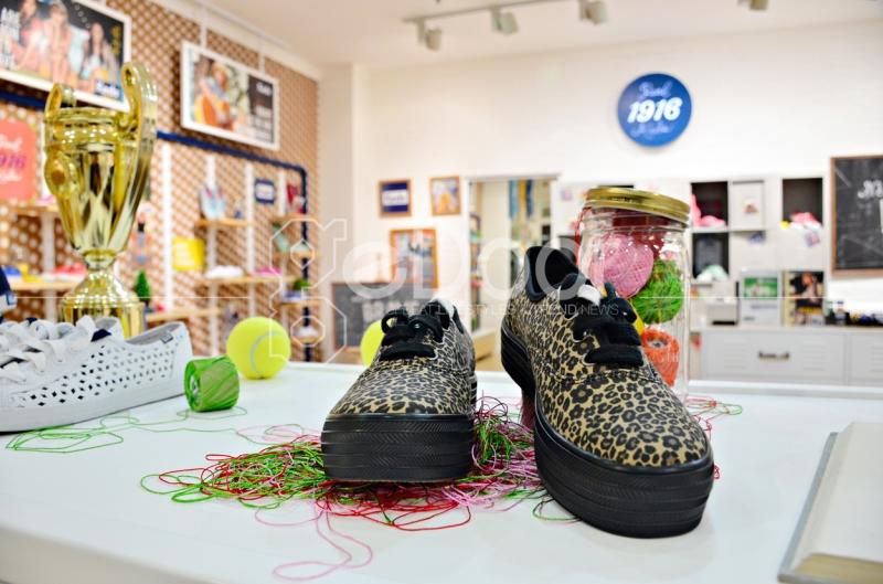 Salah Satu Koleksi Sepatu Keds Yang Sedang Ngetrend Saat Ini