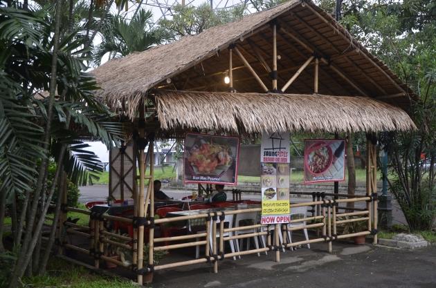 Restoran Saung Pedes Di Bintaro