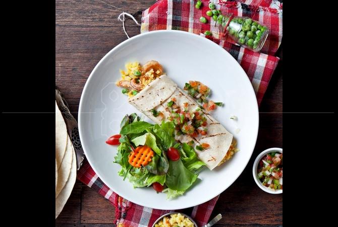 Burrito salah satu menu favorit yang ada di La Hoya Comida