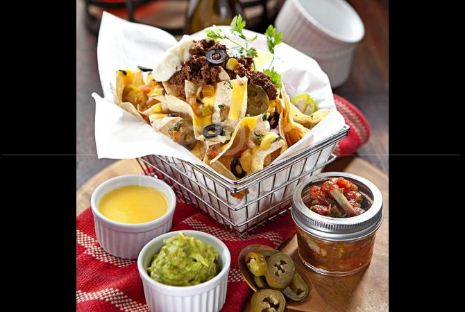 Nachos salah satu menu khas Mexico yang cukup banyak di pesan oleh customer La Hoya
