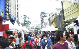 Little Tokyo Ennichisai Blok M2016