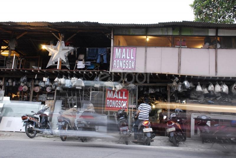 Mall Rongsok, Surganya Barang Bekas Di Depok