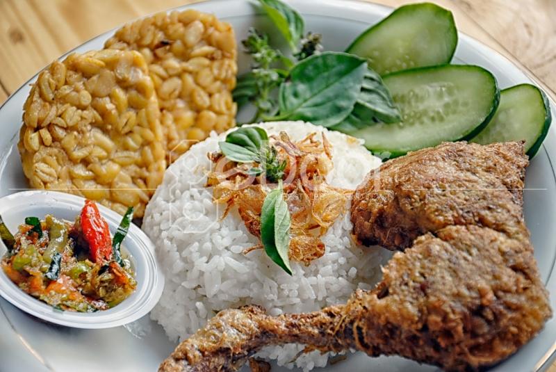 Pecel Ayam Menu Nusantara dari Cerita Perut