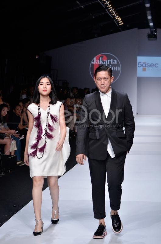 JFW Juga Sebagai Ajang Para Desainer Tanah Air Untuk Unjuk Gigi Di Dunia Fashion Tanah Air Dan International
