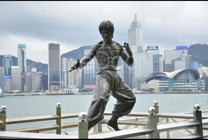 Patung Bruce Lee yang menjadi salah satu spot populer di kawasan ini