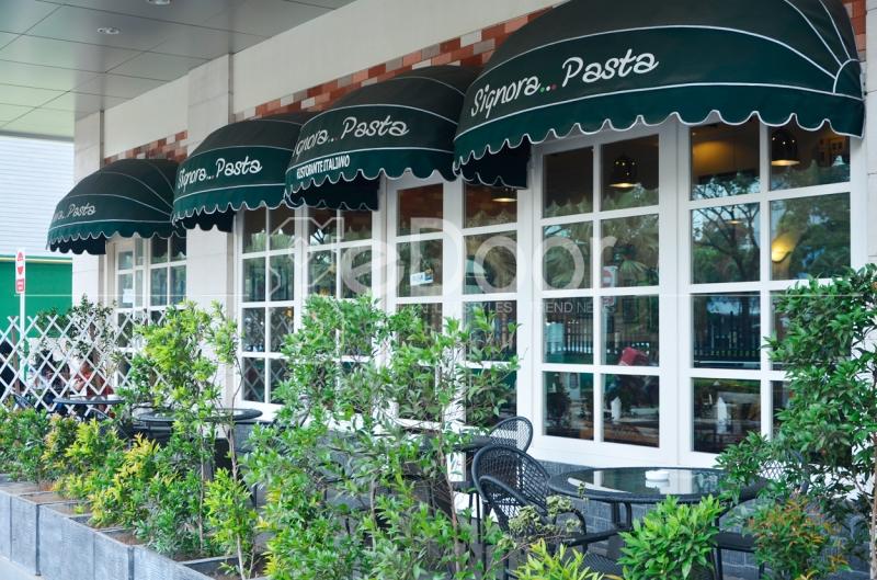 Sang Pemilik Restoran Yang Biasa Dipanggil Om Pino Juga Merupakan Keturunan Asli Italia