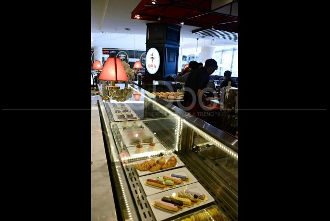 Banyak pilihan pastry dan croissant yang bisa dirasakan di Oh La La