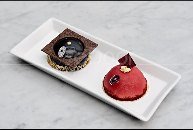 Dua cake lezat yang bisa dipesan di cafe yang sudah eksis sejak awal tahun 90-an