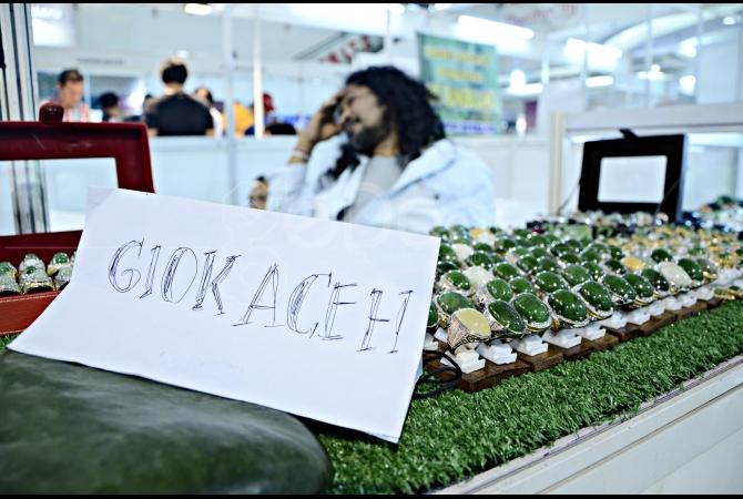 Giok Aceh juga bisa dijumpai dipameran batu akik ini