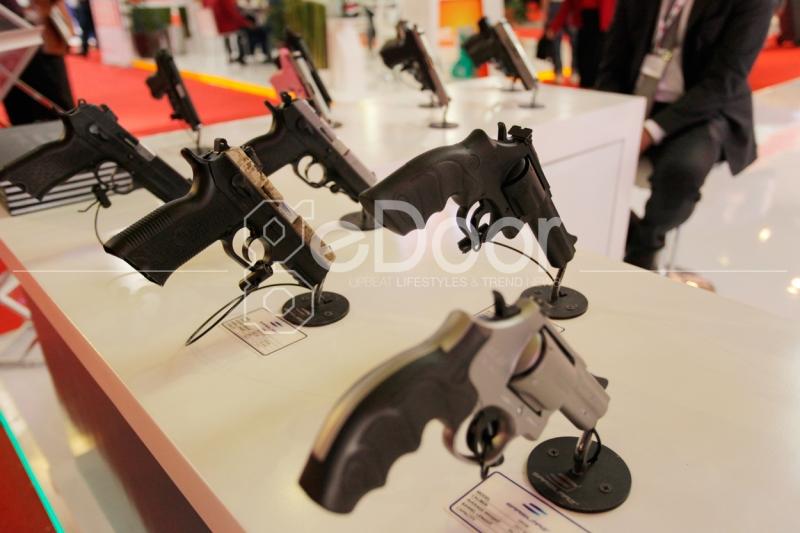 Indonesia Defence 2014 Expo & Forum Edisi Ke-6 Yang Diadakan Dua Tahun Sekali Ini Mempertemukan Ahli Industri Dan Ahli Militer