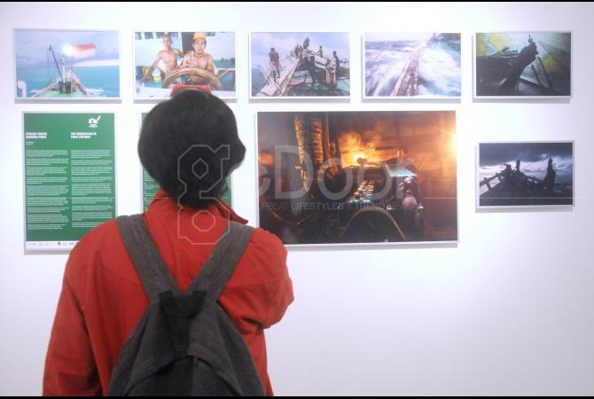 Pameran foto ini  diberi tema 'Pusaka Indonesia' yang di gelar di Erasmus Huis