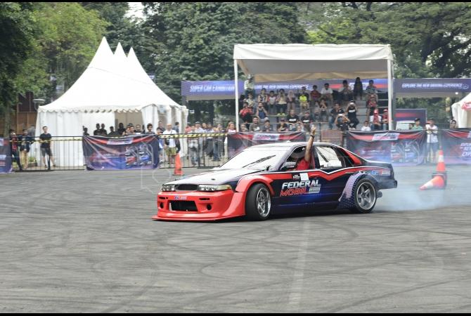Aksi drifting juga disuguhkan di event ini dan mendapatkan antusias yang cukup banyak dari pengunjung
