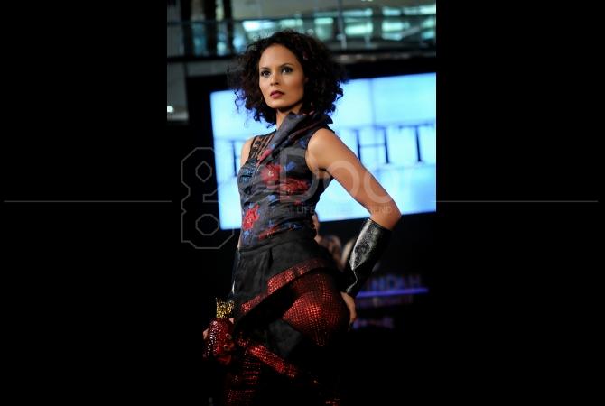 Dazzling Spring Fashiontastic  menjadi tema gelaran fashion yang digelar di Pondok Indah Mall ini