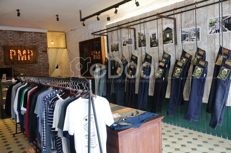 Store PMP dengan desain interior yang bergaya industrial