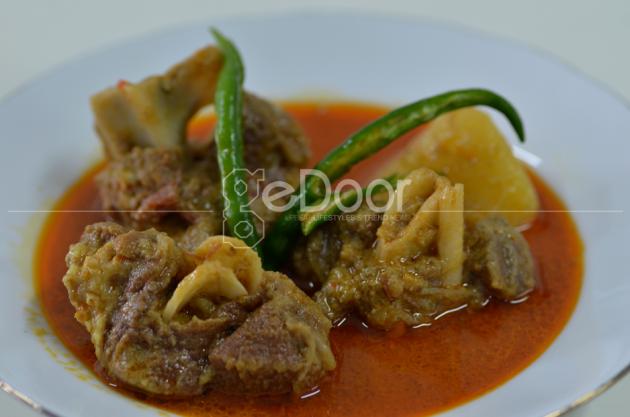 Rumah Makan Istana  Tradisional Khas Padang Medan