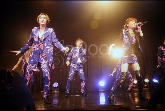 Idol grup asal Jepang, AAA akhirnya menggelar pertunjukan perdananya di Indonesia