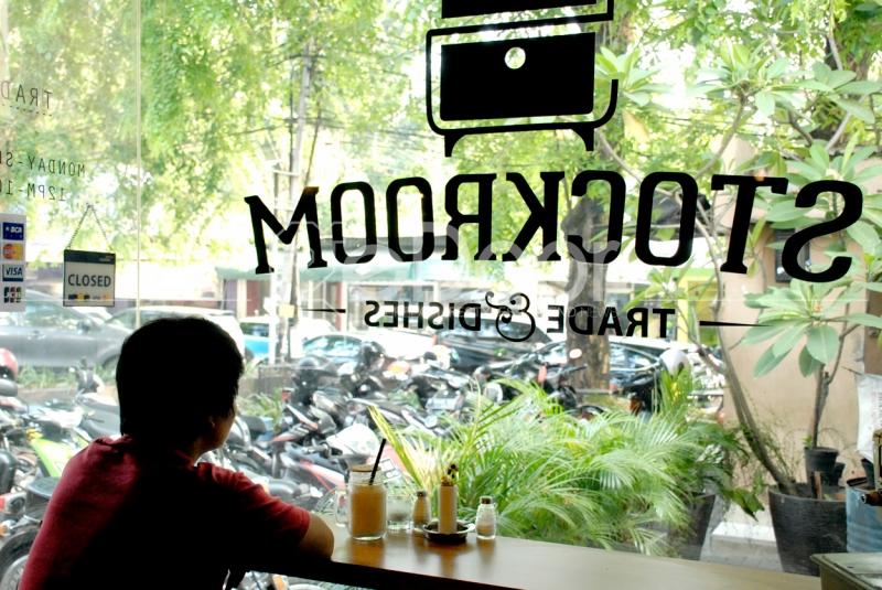Stockroom Cafe Berada Di Kemang Selatan