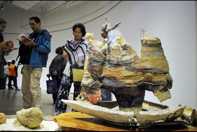 Keng Sin Sendiri Pernah Belajar Seni Keramik Di Akademi Seni Rupa Jurusan Keramik Di Leuven, Belgia