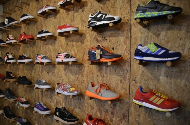 Toko Unnoroyal Footwear Jakarta