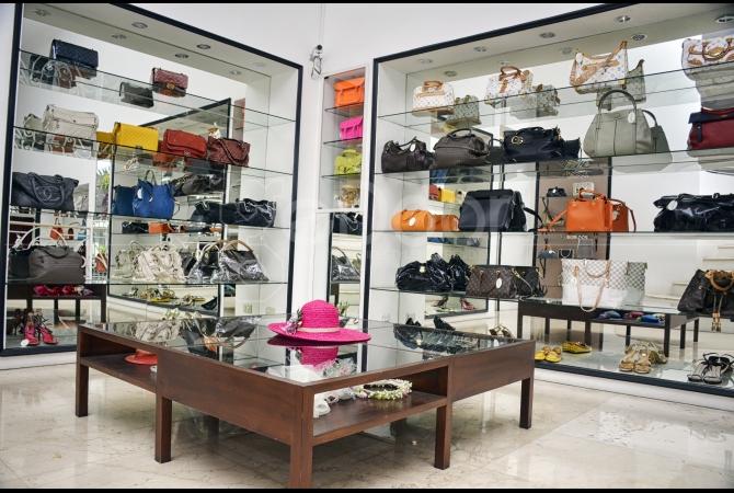 Brand-Brand Fashion Terkenal Berjejer Mengisi Butik Bule & Lucy Jakarta