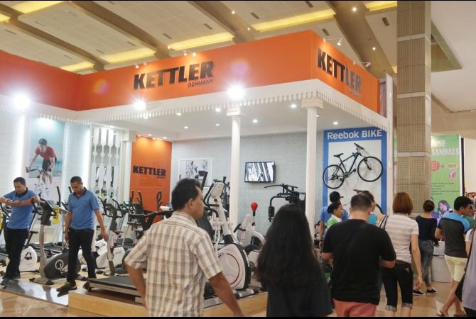 Peralatan fitness ini bisa anda temui di area Hall D2 Jakarta Fair Kemayoran