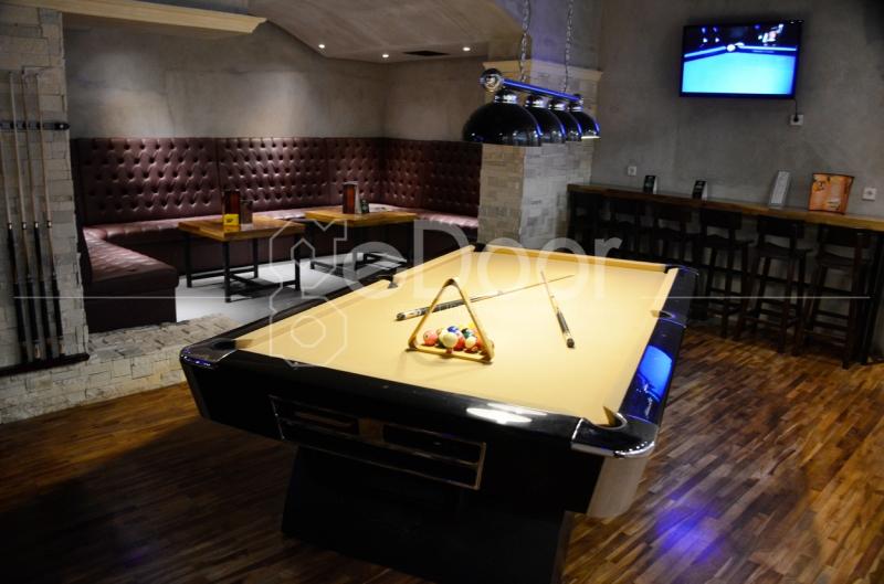 Sekitar Tujuh Meja Billiard Berukuran 9 Feet Dan 35 Stick Bisa Anda Jajal Bila Singgah Ke Tempat Ini