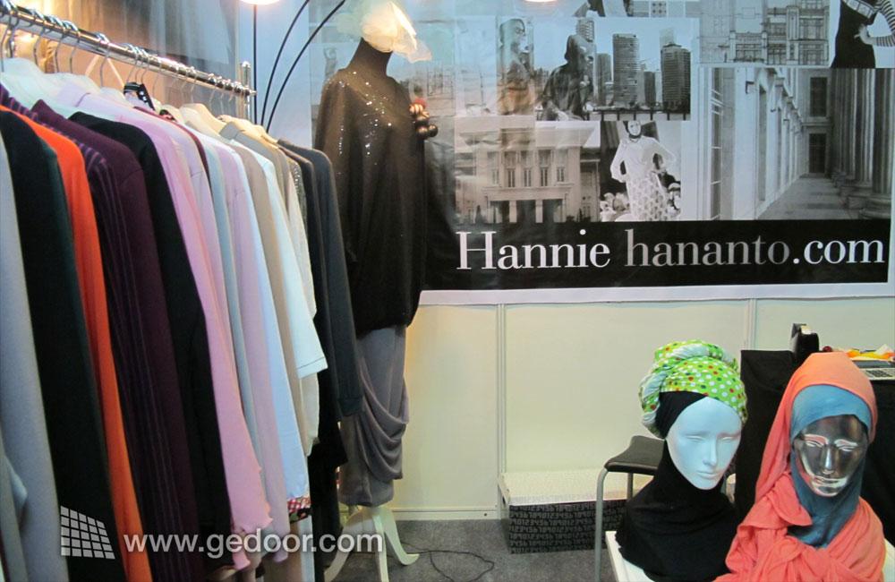 Anemone by Hannie Hananto