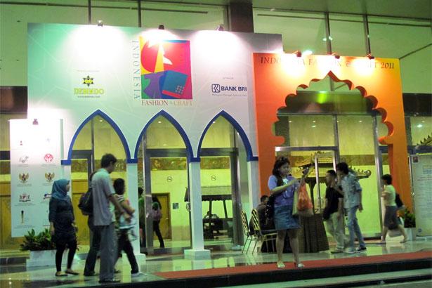 Jakarta Fashion and Craft 2011