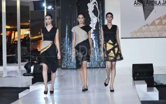 Desainer Top Tanah Air Tampilkan Hasil Karya Di Jakarta Fashion & Food Festival 2016