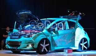 """Djarum Black AutoBlackThrough """"Final Battle"""" Kontes Modifikasi Mobil Terbesar Di Indonesia"""