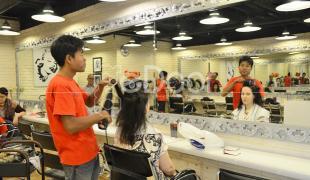 Gorjes Hair Studio  Menata Rambut Sambil Relaksasi