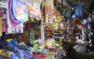Pasar Gembrong Surganya Mainan Murah