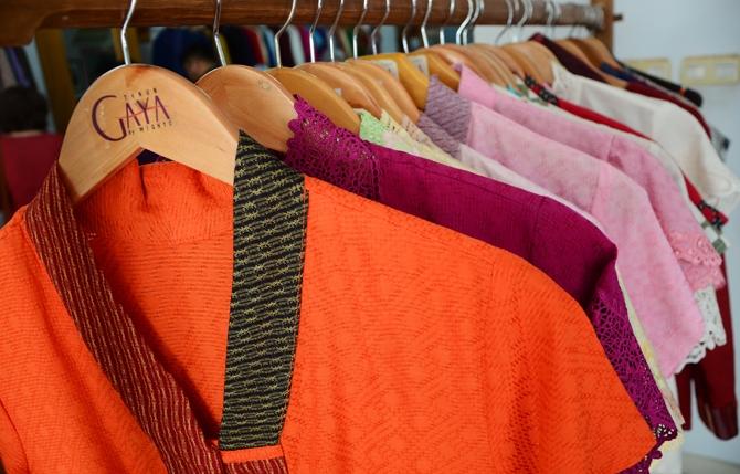Tenun Gaya Kembangkan Fashion Dari Tenun Yang Ready to Wear