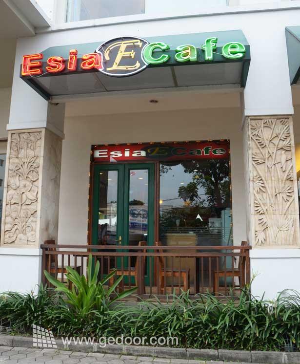 Esia Café
